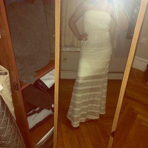 Gorgeous cream maxi dress!